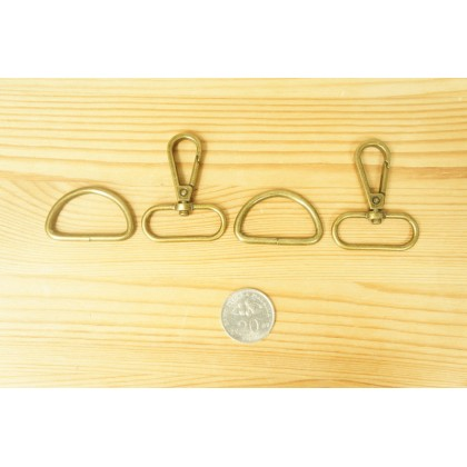 *T0026232~* Bronze Snap hook and D ring 3.2cm